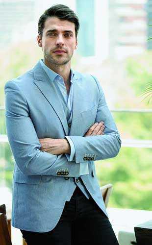Jorge Viladoms guapo mexicano