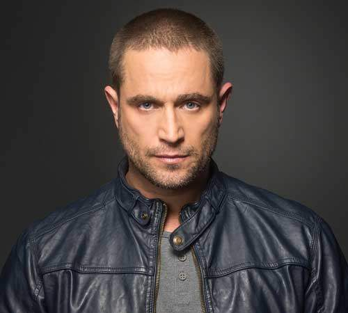 el guapo actor Michel Brown