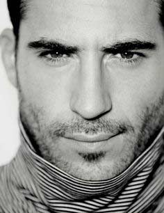 Miguel Ángel Silvestre guapos wow