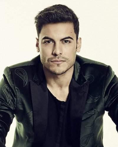 Carlos Rivera guapo famoso